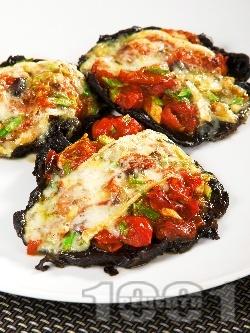 Пълнени гъби Портобело без месо с домати, чесън, босилек и сирене Бри - снимка на рецептата